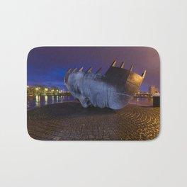 Merchant seafarer's war memorial 1 Bath Mat