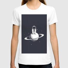 Astronaut keeps smartphone T-shirt