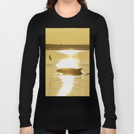 Early Dolphin gets the big fish Long Sleeve T-shirt