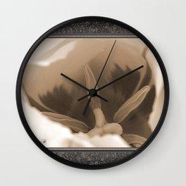 Triumph Tulip named Washington Wall Clock