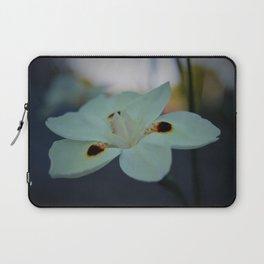 Unknow flower Laptop Sleeve