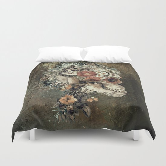 Skull on old grunge Duvet Cover