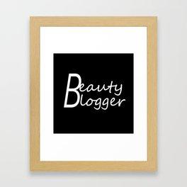 Fashion City: Beauty Blogger Framed Art Print
