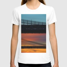 Sunset over New York City Bridge (Color) T-shirt