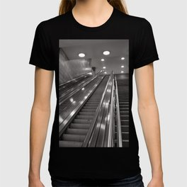 Underground station - stairs - Brandenburg Gate - Berlin T-shirt