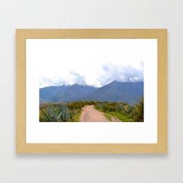Le chemin Framed Art Print