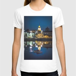 Night in the town T-shirt
