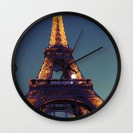 Bonjour, la tour eiffel. Wall Clock