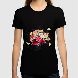 Roses and lilac. Beautiful victorian design T-shirt