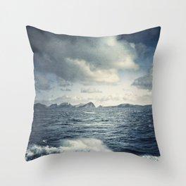 unsteady horizon Throw Pillow