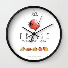 Ramasser les fraises Wall Clock