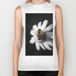 a Bee on a daisy flower Biker Tank