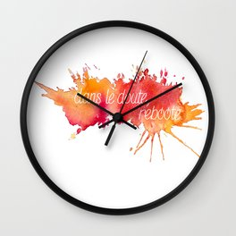 Dans le doute, reboote. - Red Wall Clock