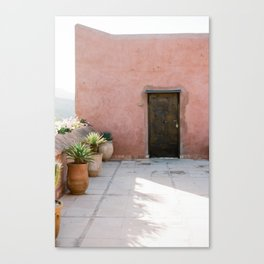 Magical Morocco - Ourika | Coral colored house and wooden door in the atlas mountains Canvas Print