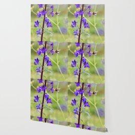 Flying bumble-bee in meadow Wallpaper