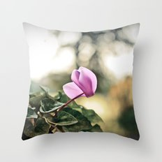 Ciclamino Throw Pillow