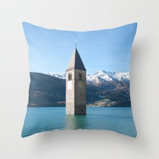 Drowning my thoughts Throw Pillow