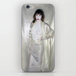 "say no to patriarchy / ""the fashion"" iPhone Skin"
