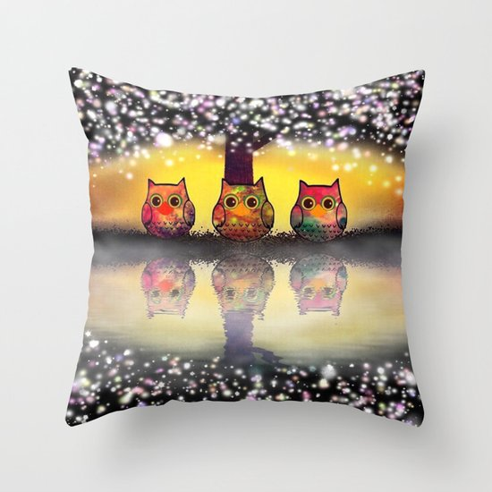 owl-262 Throw Pillow