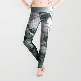 Panoramic View Of Mountain Everest Leggings