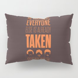 Lab No. 4 - Oscar Wilde Motivational quote poster Pillow Sham