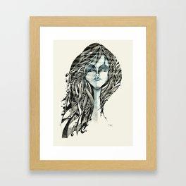 Mulher azul Framed Art Print