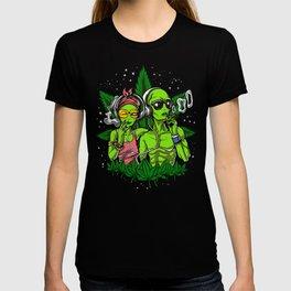 Aliens Hippies Smoking Weed Cannabis T-shirt