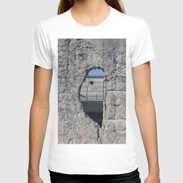 Berlin wall .... Another hole in the wall 3 T-shirt