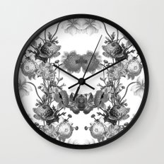 Vintage Floral Pattern Wall Clock