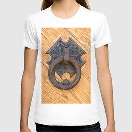 Old door knocker T-shirt