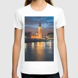 London after sunset T-shirt