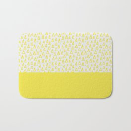 Triangles yellow Bath Mat