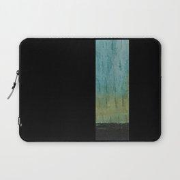 slow motion rain Laptop Sleeve