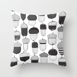 Doodle acorns autumn pattern Throw Pillow
