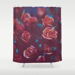 Botánico Oscuro Shower Curtain