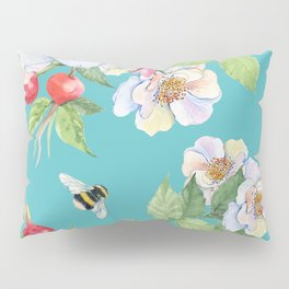 Vintage Floral Pattern: Luxurious Flowers and Bumble Bee Pillow Sham