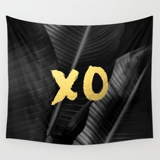 XO gold - bw banana leaf Wall Tapestry