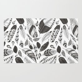Black and white feathers pattern Rug