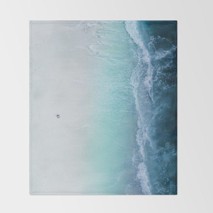 sea 5 Throw Blanket