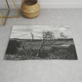Dead tree and crows Rug