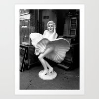Marilyn on the Street with Diamonds Art Print