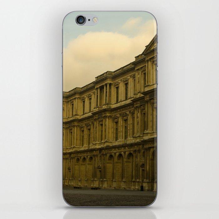 Palais du Louvre iPhone Skin