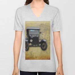 Antique Car on Old Route 66 on and Map Unisex V-Neck