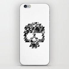 Skull bw w iPhone Skin