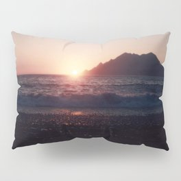 Kiss me @ the Beach - The Sun is touching the Ocean Pillow Sham