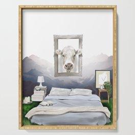 Cuadro vaca naturaleza minimalista, fondo montañas Serving Tray
