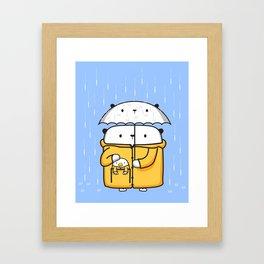 Opi y Kipi en la lluvia Framed Art Print