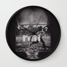 r u n (ANALOG zine) Wall Clock