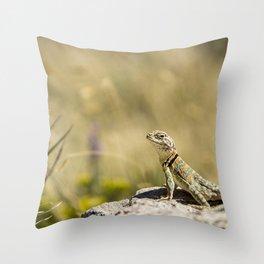 Lizard At Attention Throw Pillow