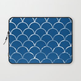 Textured large scallop pattern in snorkel blue Laptop Sleeve